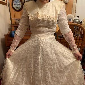 Vintage 1980s cream lace dress